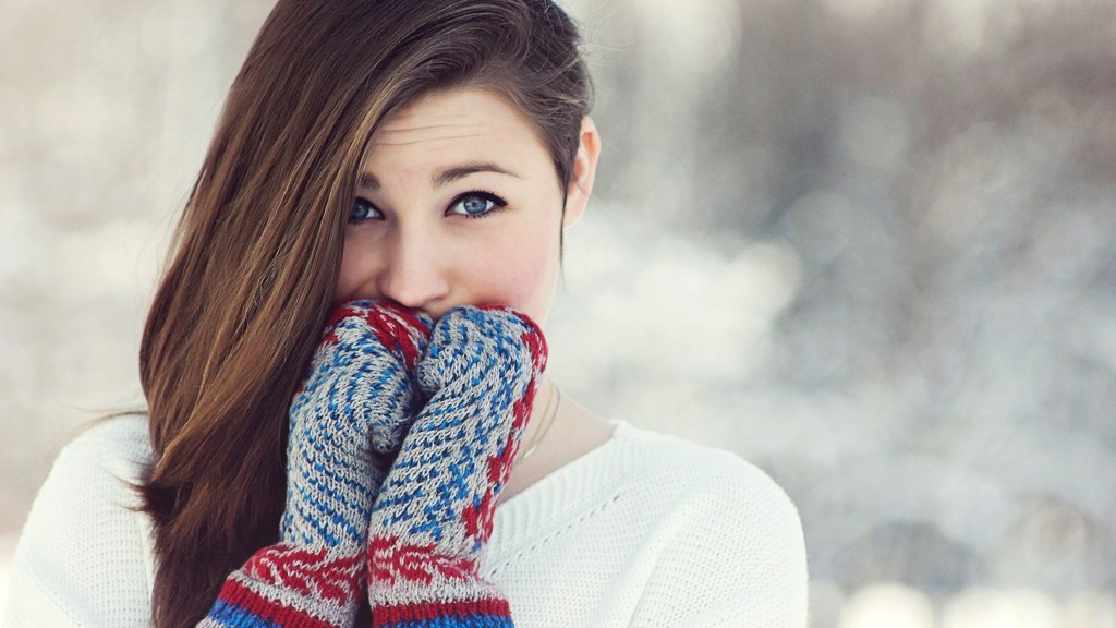 6977798-girl-winter-gloves